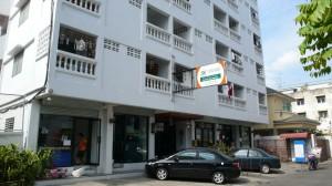 Baan Kaew Mansion, een pension dat voornamelijk onderdak biedt aan Thai.