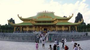 Dai Nam Van Hien, Gouden Tempel