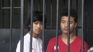 Koh Tao Zaw Lin en Wai Phyo achter de tralies