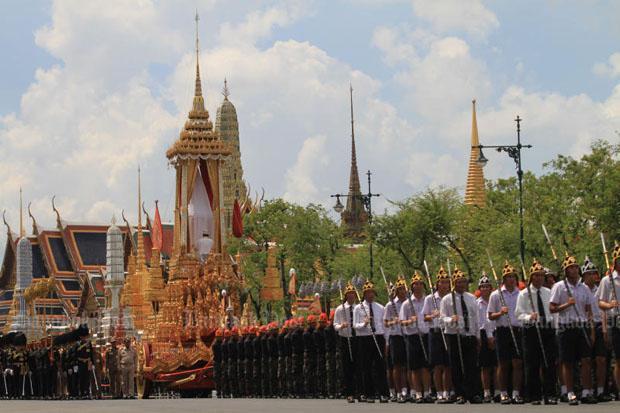 Repetitie van optocht met de Great Victory Charriot naar Sanam Luang