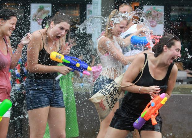 Songkran watergevecht op Koh Samui