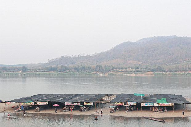 Mekong Stijgend water in Kaeng Khut Khu