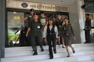 Monthakan Nirandorn op weg naar de Criminal Court