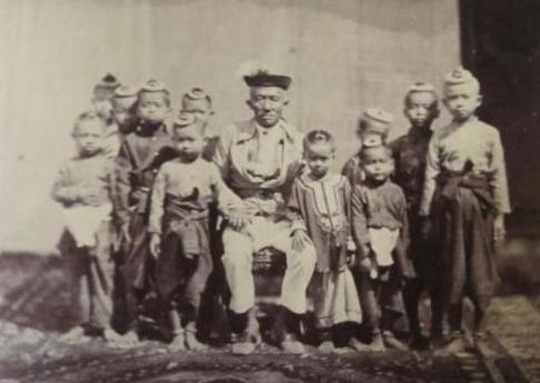 Rama IV met kinderen 2