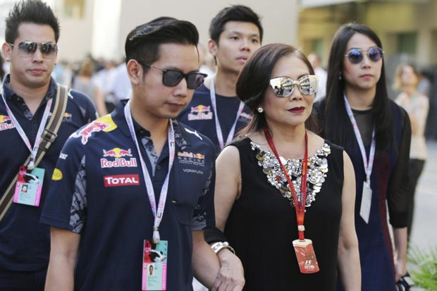 Vorayudh en moeder bezoeken Formula 1 Grand Prix Abu Dhabi 2016