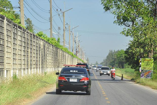 Wat Phra Dhammakaya DSI patrouilleert om de tempel