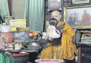 Angel child Phra Winai Thitabhanyo zegent een luk thep pop