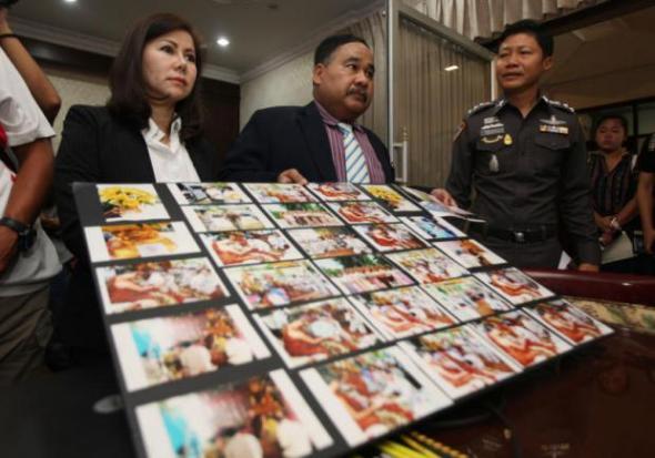Foto's die de relatie Kaonthat Wirapol moeten bewijzen