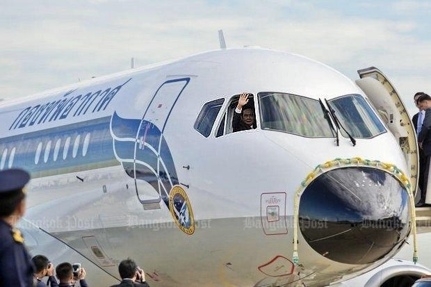Ingebruikneming Sukhoi 100LR transportvliegtuig