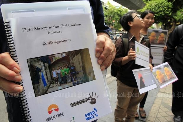 Protest tegen slavernij in de pluimvee-industrie