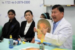Ziekenhuis CEO Supot legt uit
