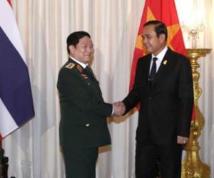 Defensieminister Ngo Xuan Lich van Vietnam en Prayut