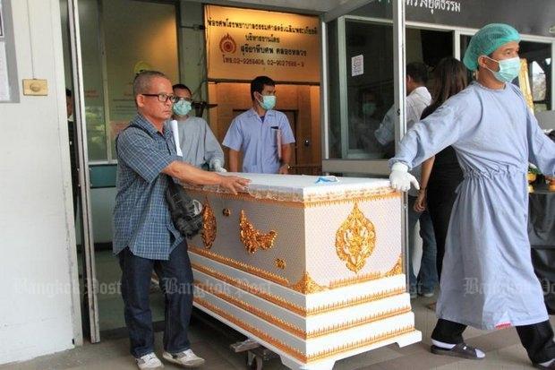 Wat Phra Dhammakaya Lijkkist met overleden vrouw