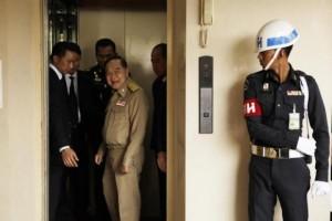 Minister Prawit Wongsuwon weer aan het werk
