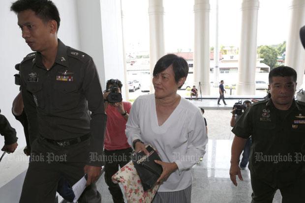 Montha Charoensukwan assistent-hoofd van de TAO Ban Mai in Nonthaburi
