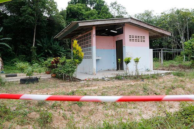 Trang toiletgebouw waar de moeder van een leerling is dood geslagen