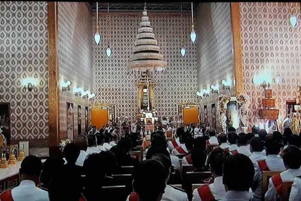 Merit-making in Dusit Maha Prasart Throne Hall