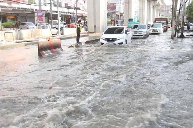 Overstroming in Samut Prakan zaterdag