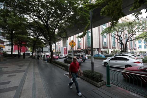 Sukhumit Road zonder palen en kabels
